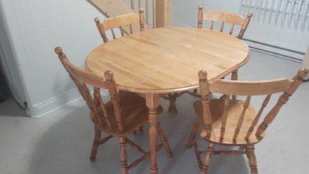 Reparation et restauration de table antique a Québec - Atelier Claude